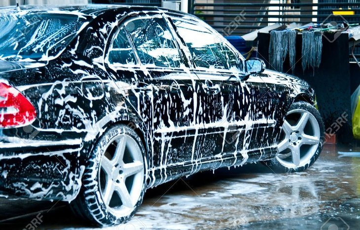 wash-and-dry-your-car-using-washing-solution